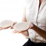 Implant mammaire : Comment choisir la taille parfaite ?