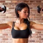 Pour éviter le lifting des bras, suivez ces cinq exercices de tonification