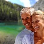 Comment paraître plus jeune: Trucs et astuces Révélés par des dermatologues et des chirurgiens